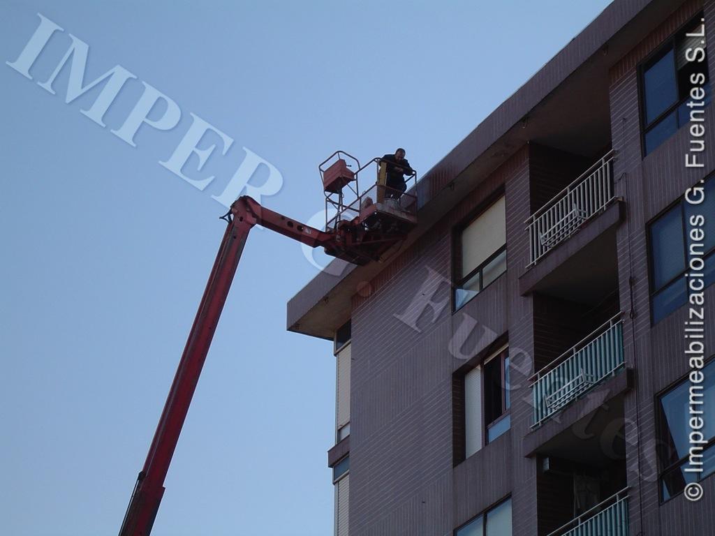 Reparaciones y pintura con plataformas elevadoras